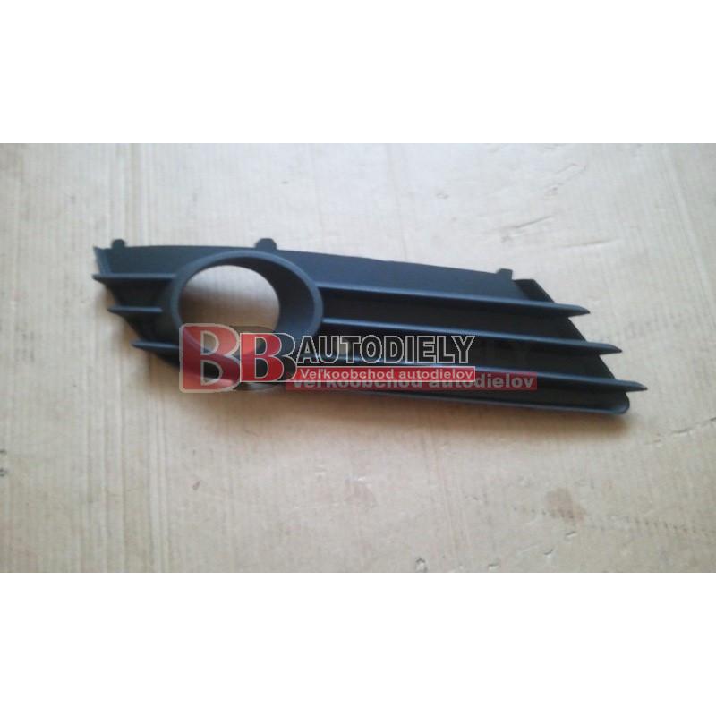 OPEL ASTRA H 3/04- Kryt v nárazníku s otvormi pre hmlovky Pravý