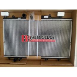 PEUGEOT 807 6/02 - Chladič vody /3,0i V6/ -automat